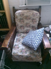 Very old lounge suite for sale
